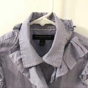 Banana republic button down shirt in Size 0 or XS
